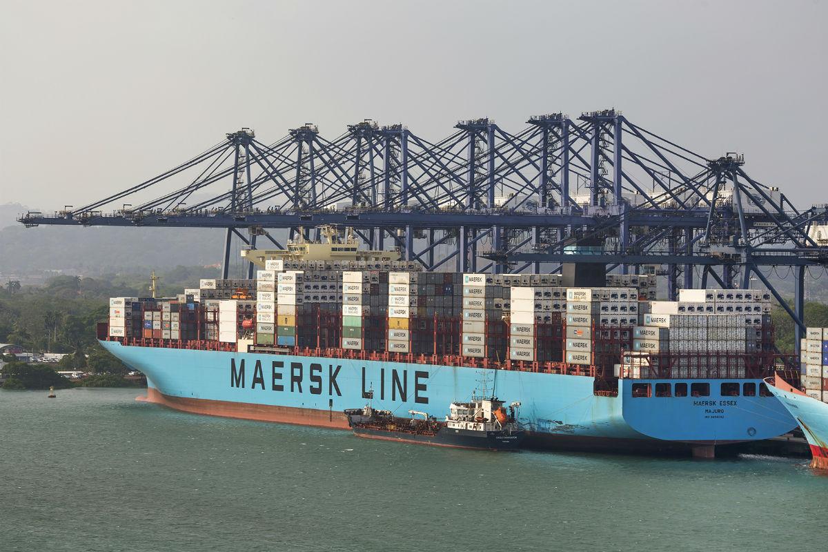 Puertos navieras transporte maritimo barcos buques - Contenedores de barco ...